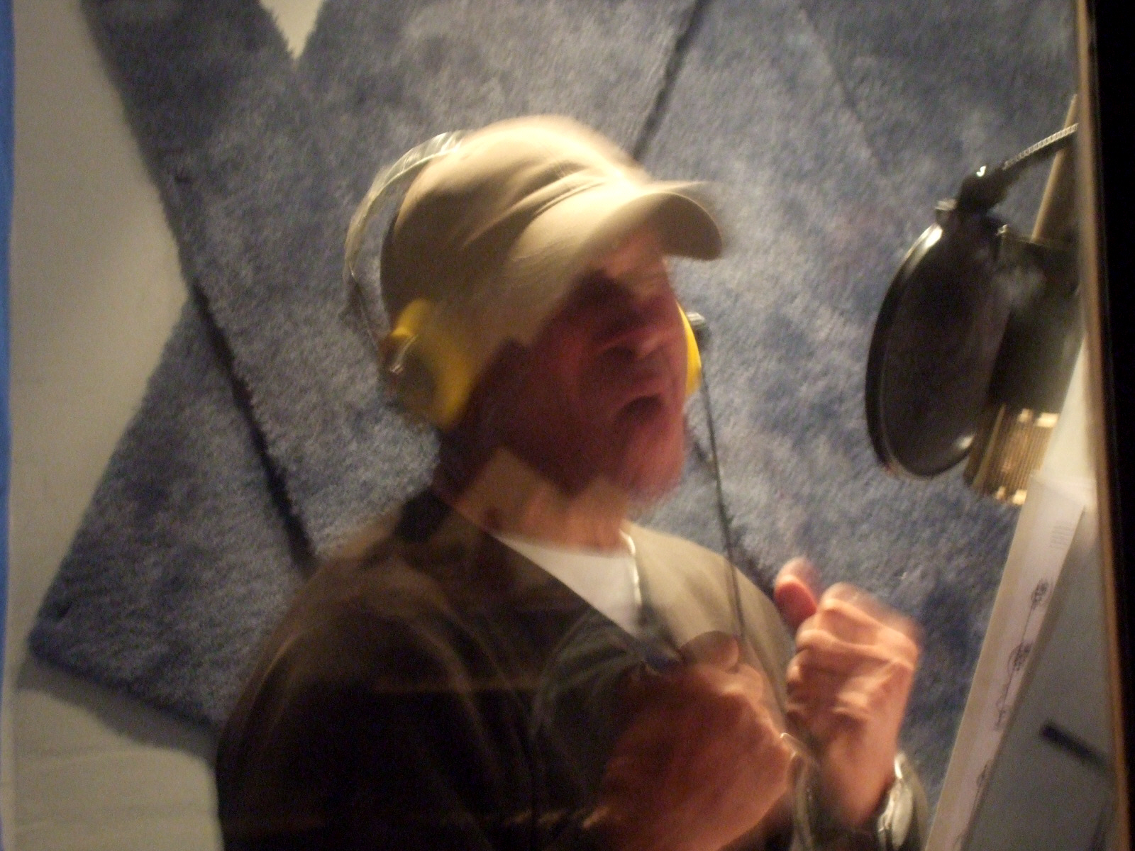 """Mel Carter giving his all for """"The Other Standards"""" at Theta Sound Studio"""