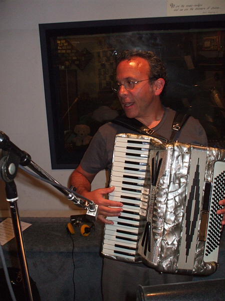 "Michael Skloff played accordion and piano as well as arranging one of the full choir pieces for the double album ""Heaven on Earth – Shabbat at Temple Israel of Hollywood"" with Danny Maseng."